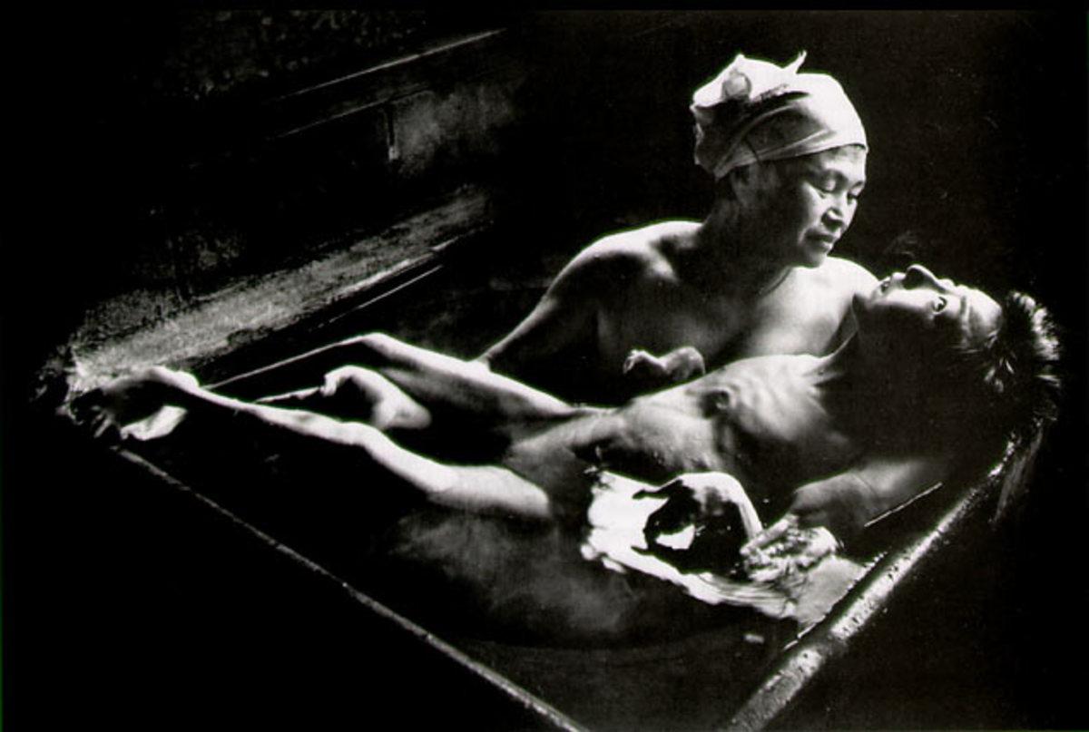 """TOMOKO UEMUIA IN HER BATH"" BY W. EUGENE SMITH IN 1972"