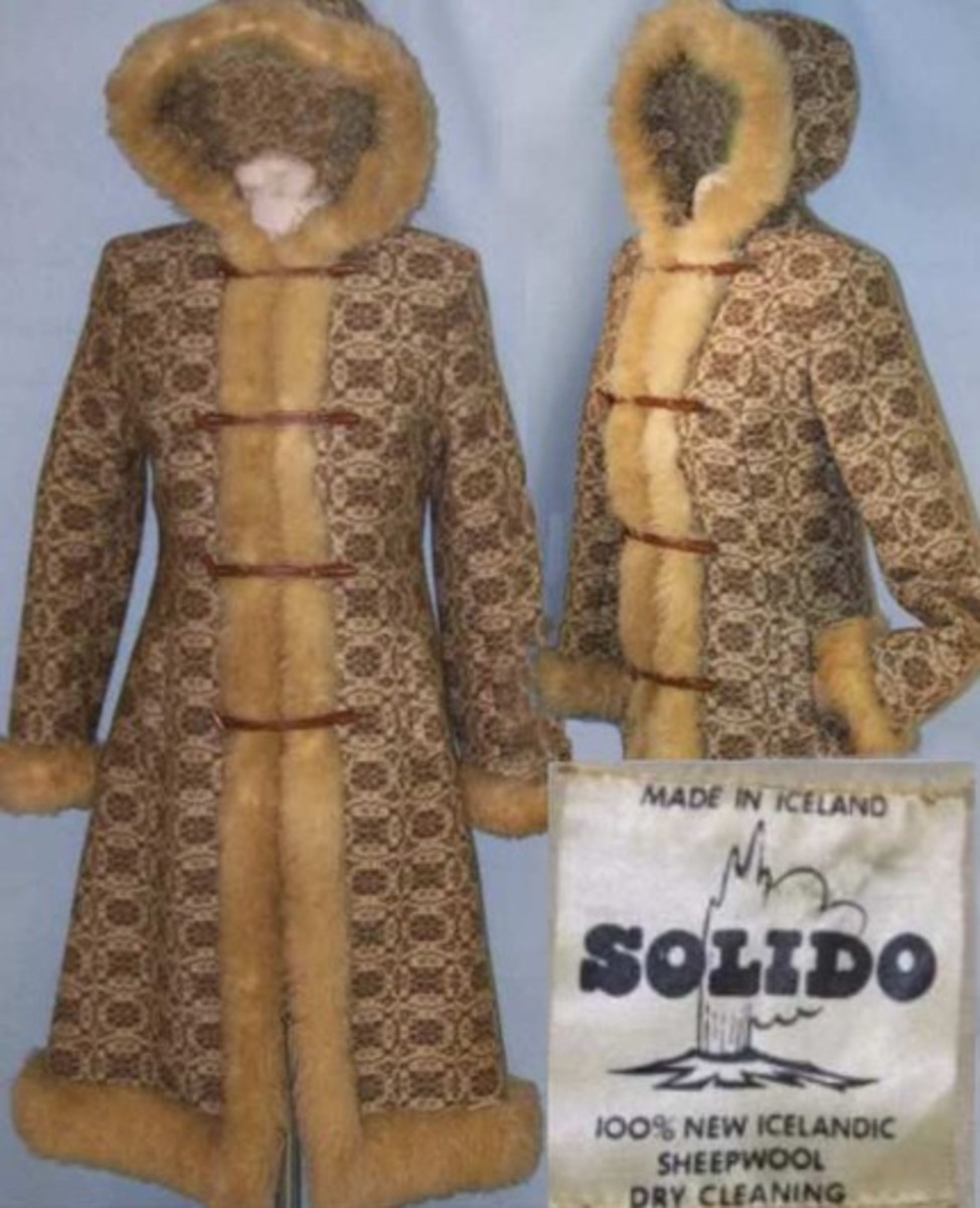 vintage coat with hood made by Solido in Iceland