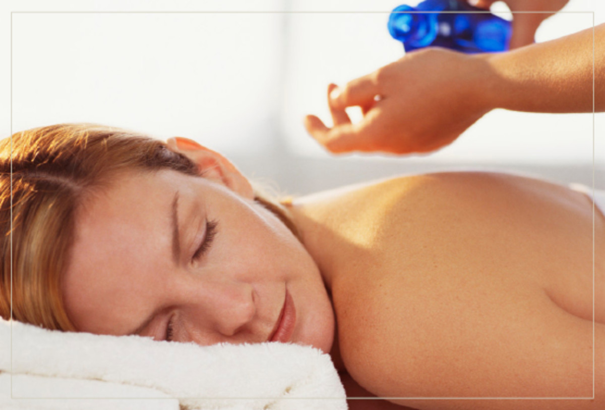 Give yourself a good massage to relief stress and reduce acne