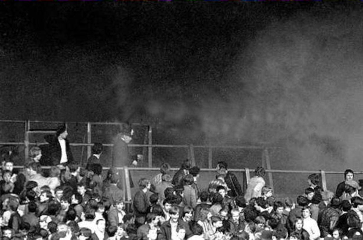 Trouble on the Terraces. Arsenal v West Ham at Highbury 1982. icf ?