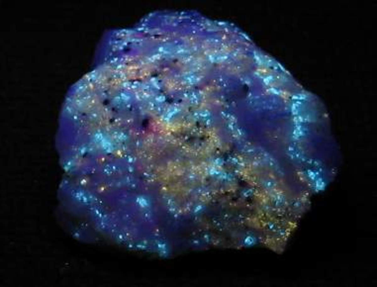 Beautiful rock with multiple colors in SW UV light.