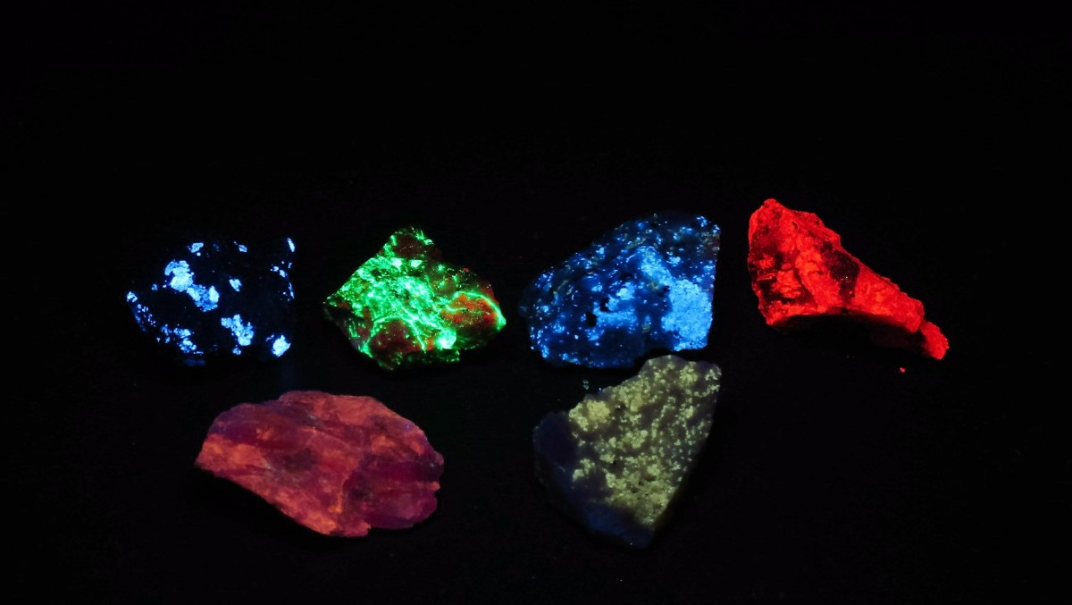 Fluorescent minerals from New York State
