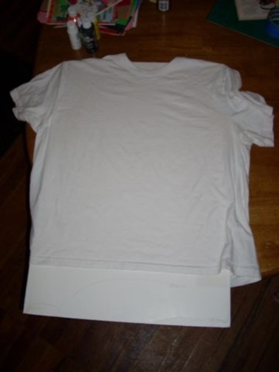 Insert cardboard or other thick paper into your shirt so it will not stick together.