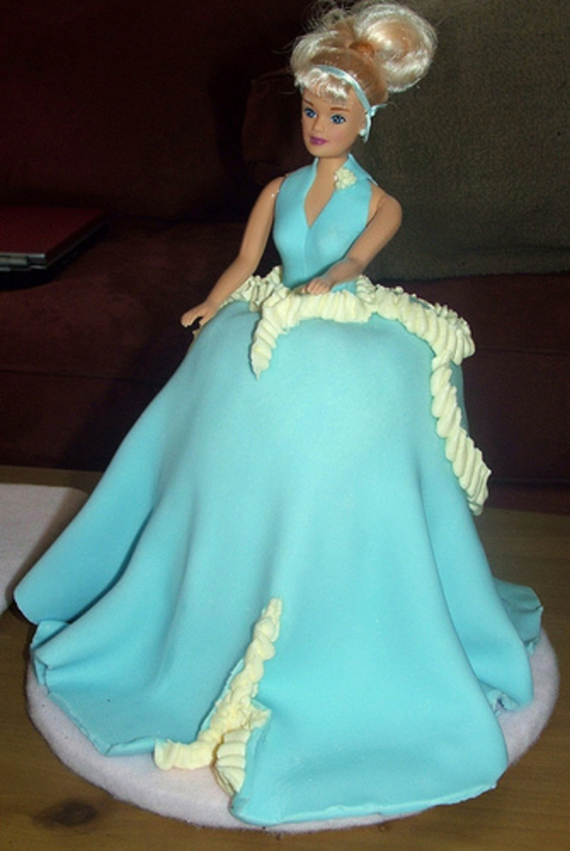 Cinderella Cake by ambjer at flickr