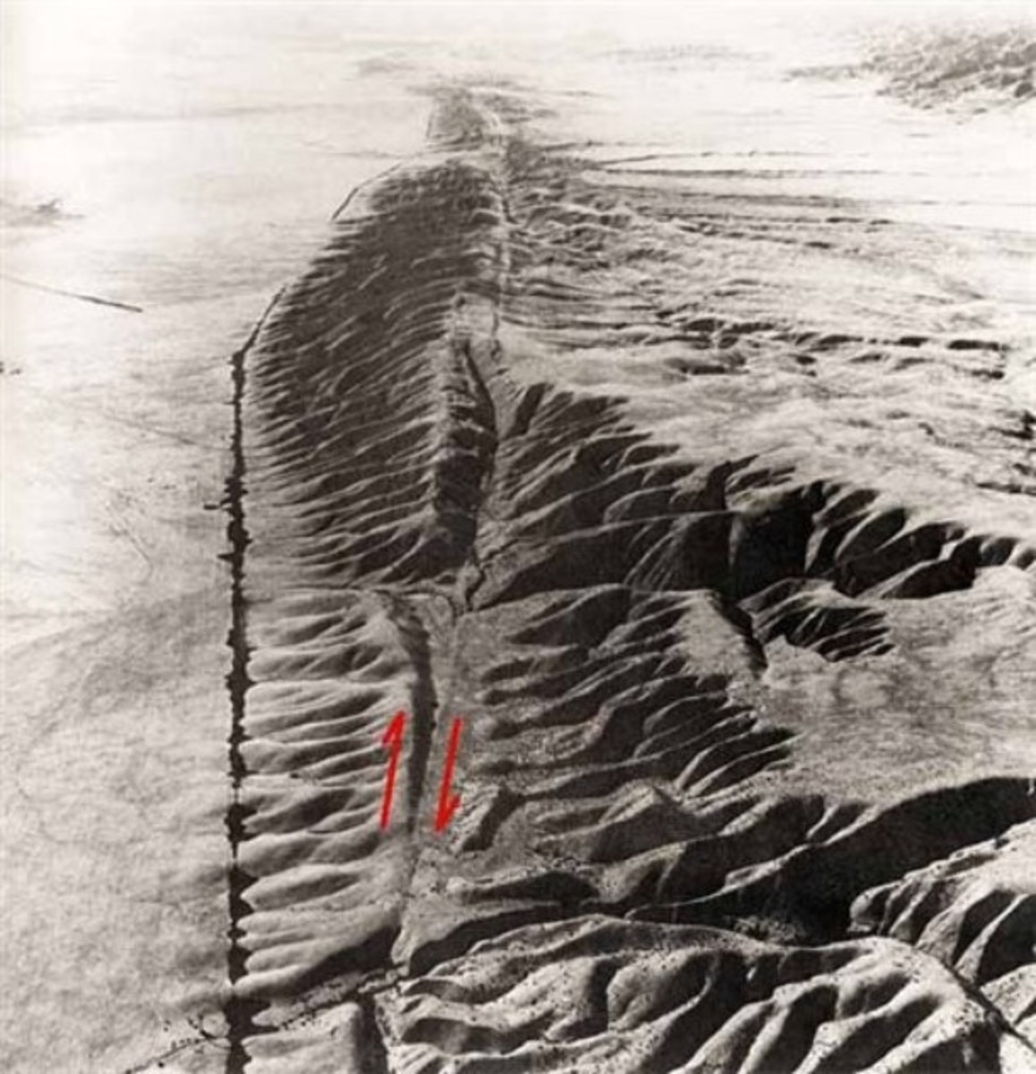 A 1960's aerial photo from the USGS showing a section of the San Andreas Fault that was moved 30 feet in the 1857 quake