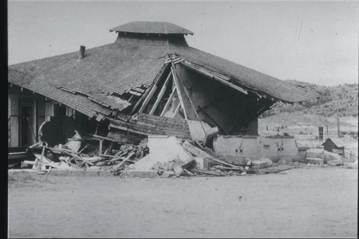 Collapsed School in Kern County, CA Earthquake, 1952-Photo credit NOAA-NGDC