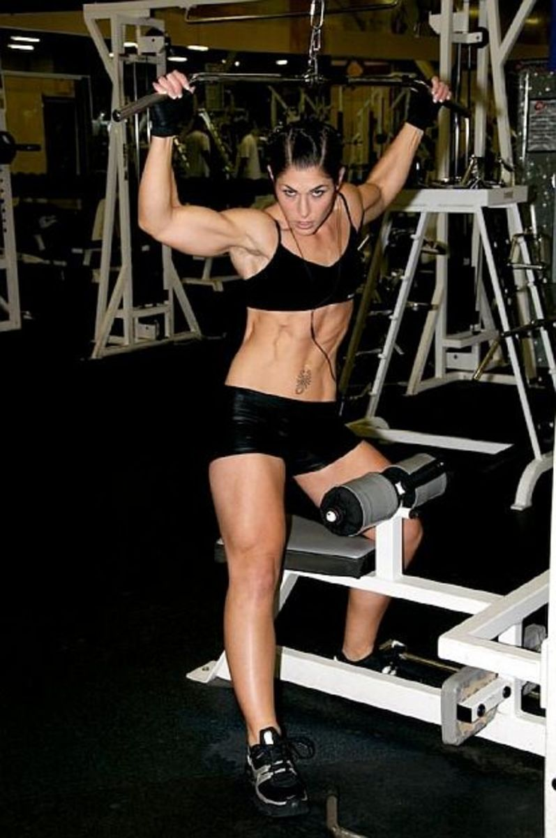 Female Fitness Models and Female Fitness Competitors 4