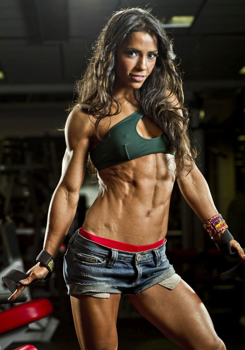 Andreia Brazier - Female Fitness