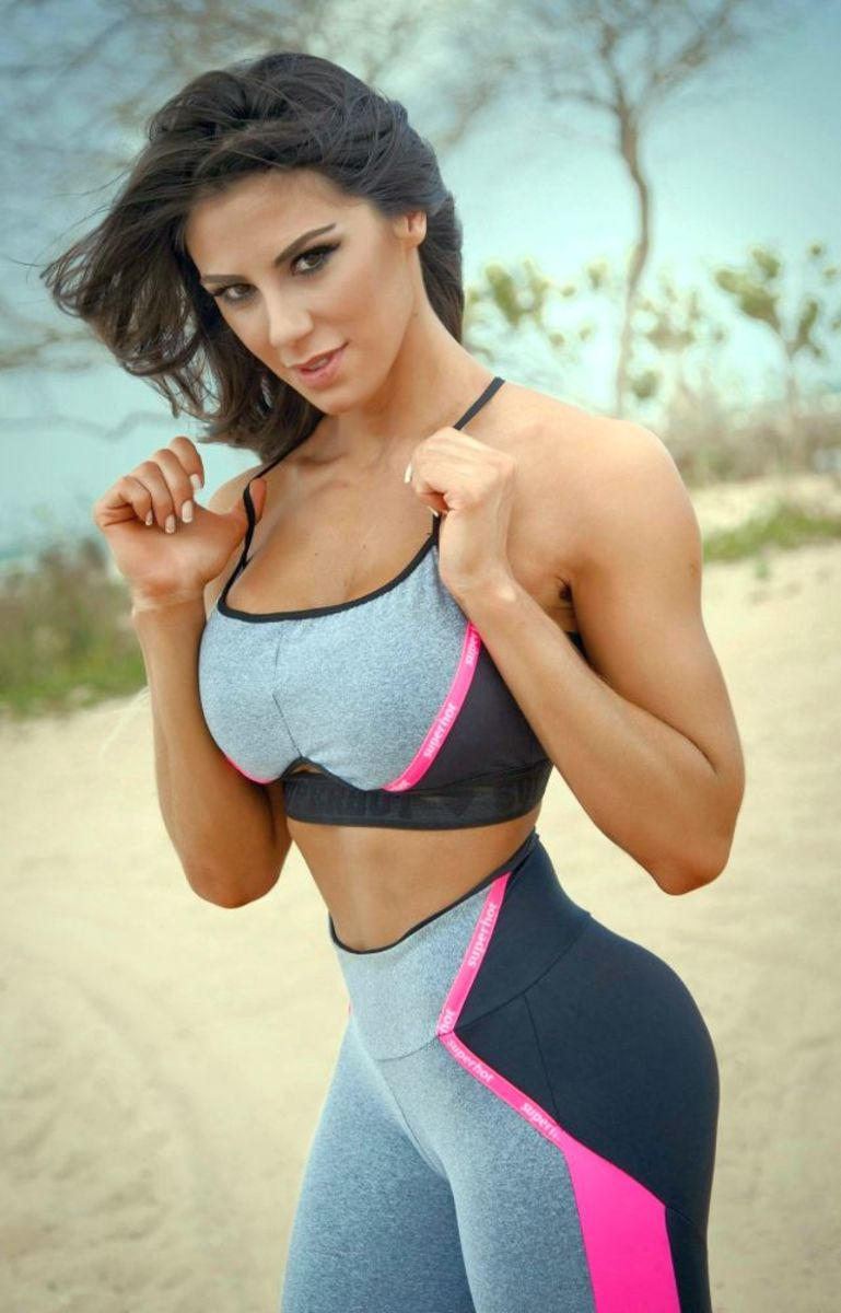 Carol Saraiva - Female Fitness