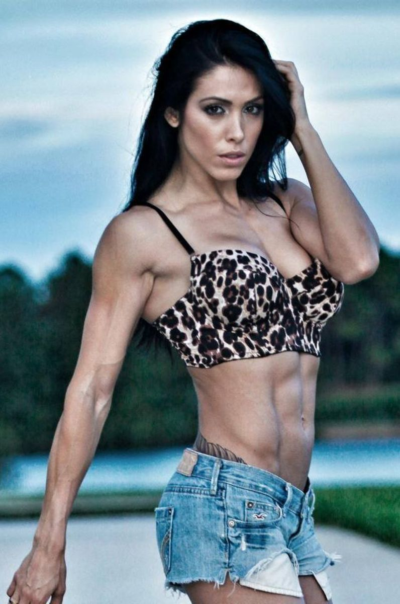 Bella Falconi - Fitness model and fitness trainer