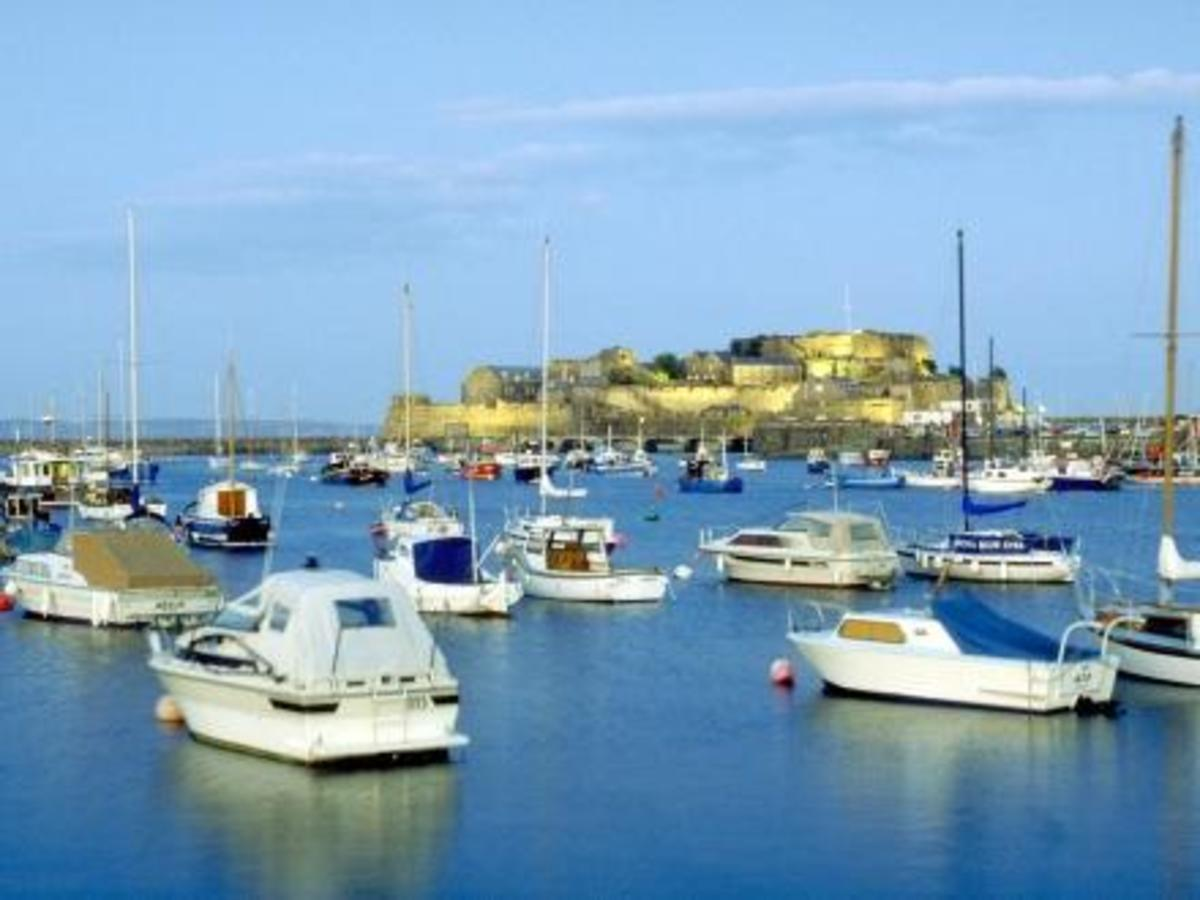 Castle Cornet, picture courtesy of http://www.door2tour.com/travelguide_details.aspx?CountryId=99