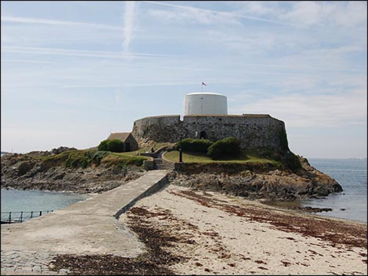 Fort Grey, also known as The Cup and Saucer Museum, picture courtesy of http://www.bbc.co.uk/guernsey/content/image_galleries/fort_grey_june_2007_gallery.shtml