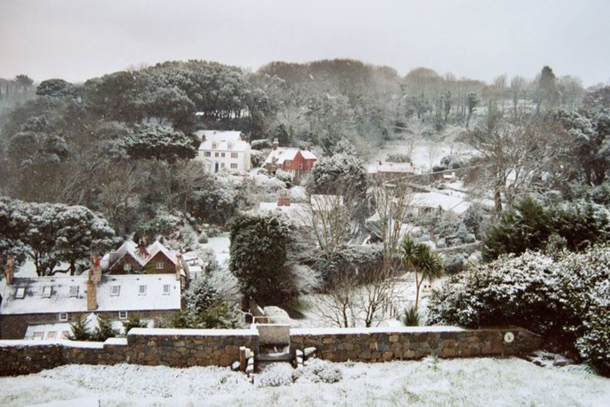 Snow over Havelet