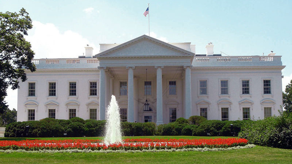 (Hopefully you know what this one is) Th White House