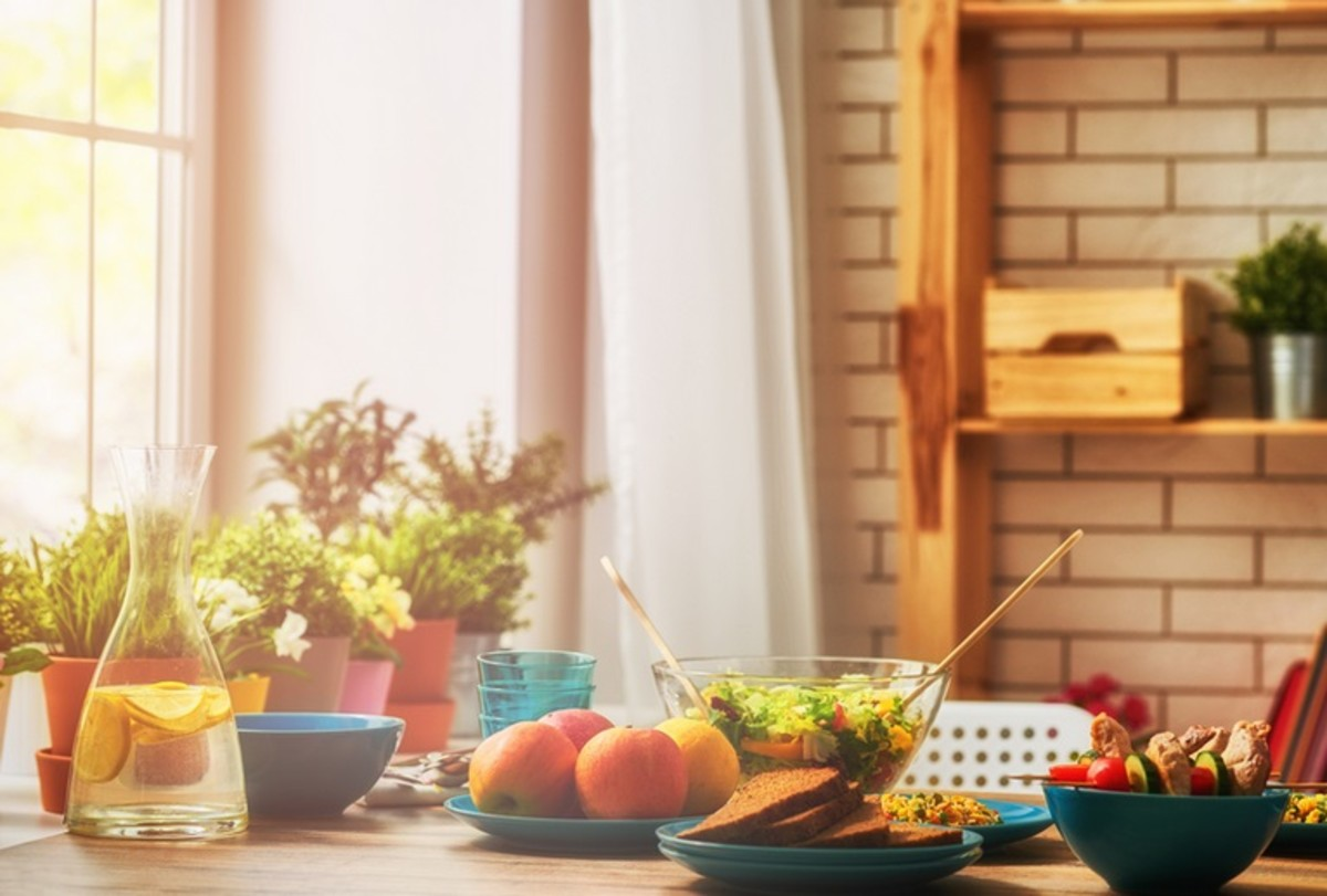 How to Feng Shui the Dining Room for Good Health and Abundance