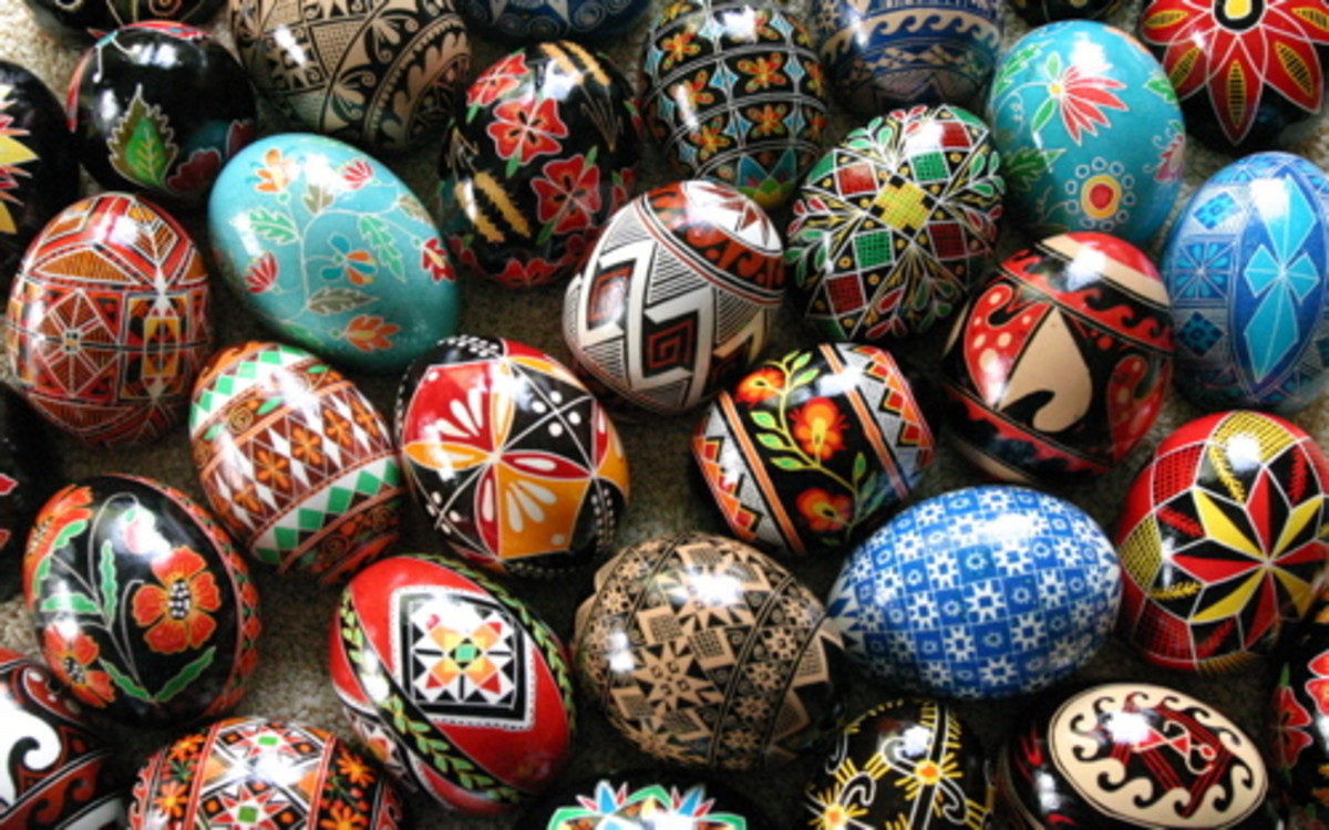 Modern and traditional Ukrainian pysanky by Luba Petrusha