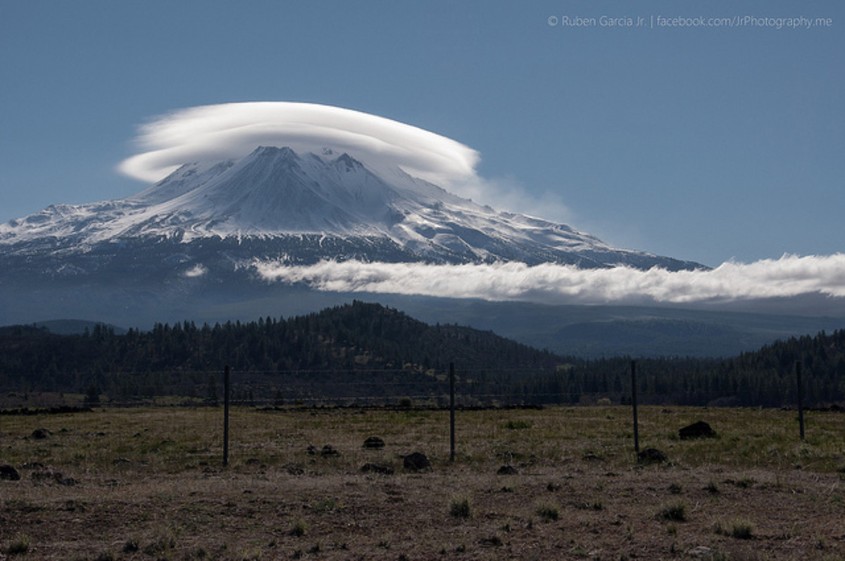 Lenticular cloud