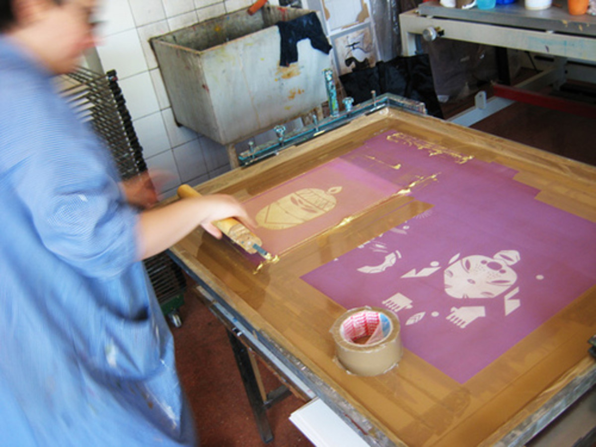 How to screen print at home t shirts fabric printing for Screen print t shirts at home