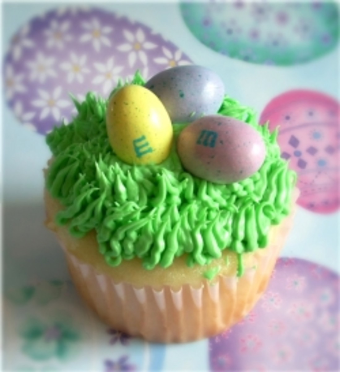 Easter Cupcakes and Treats with M&M's