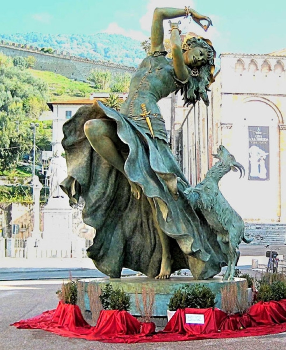 statue of Gina Lollobrigida