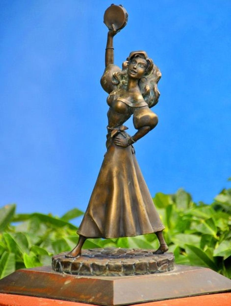 Disney Esmeralda in Bronze
