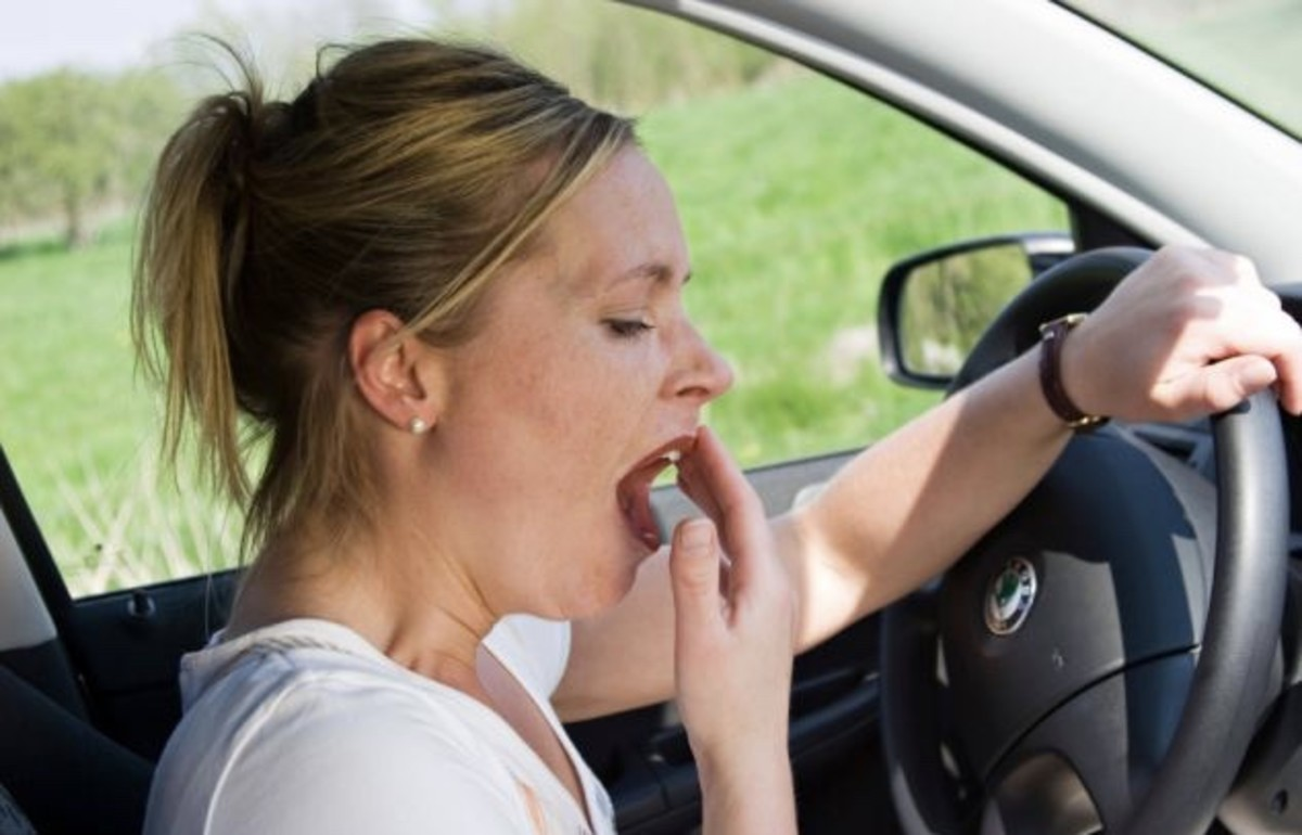 Be aware of body signals that you are sleepy, such as yawning while driving.