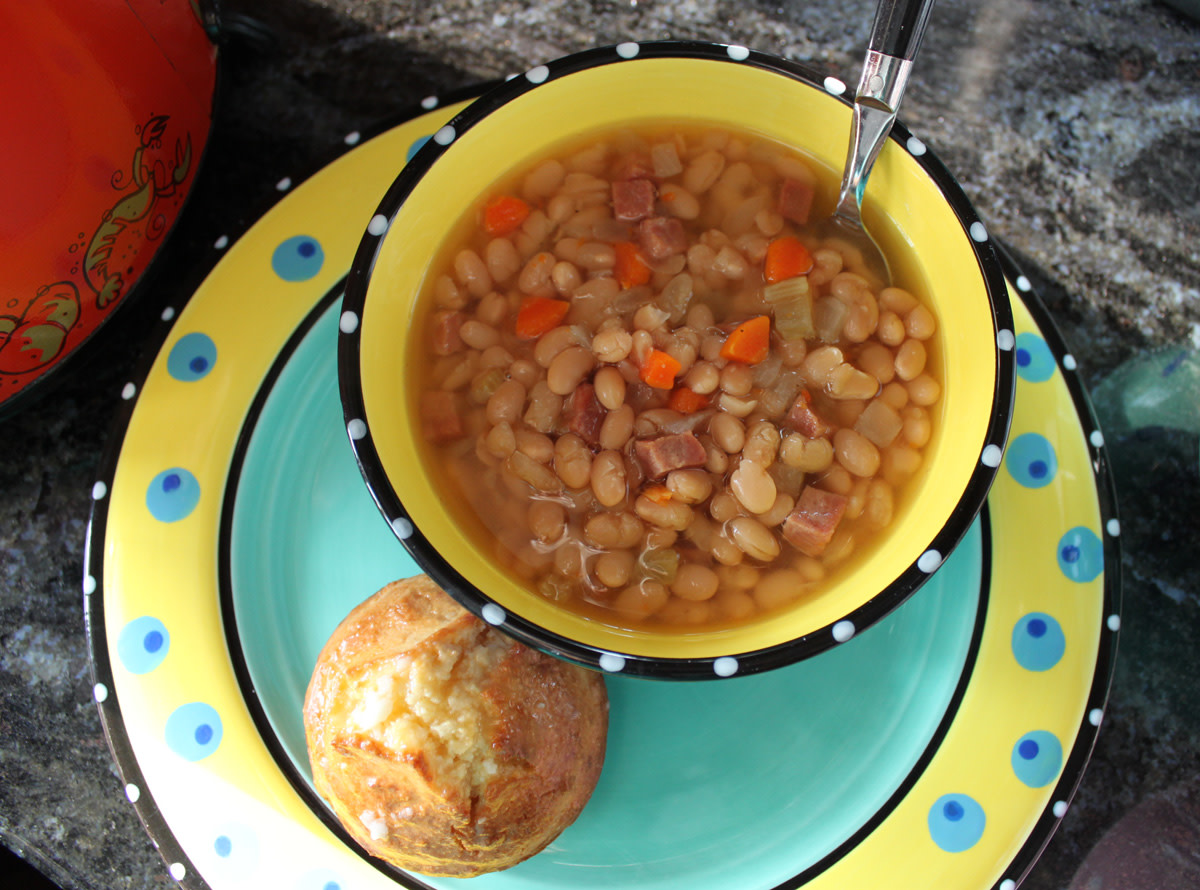 easy-ultimate-crockpot-navy-bean-soup-with-ham