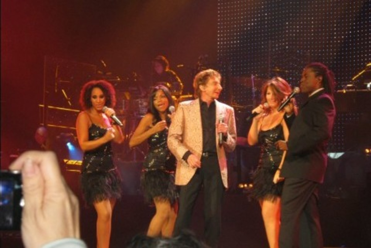 Barry with four background singers and dancers.