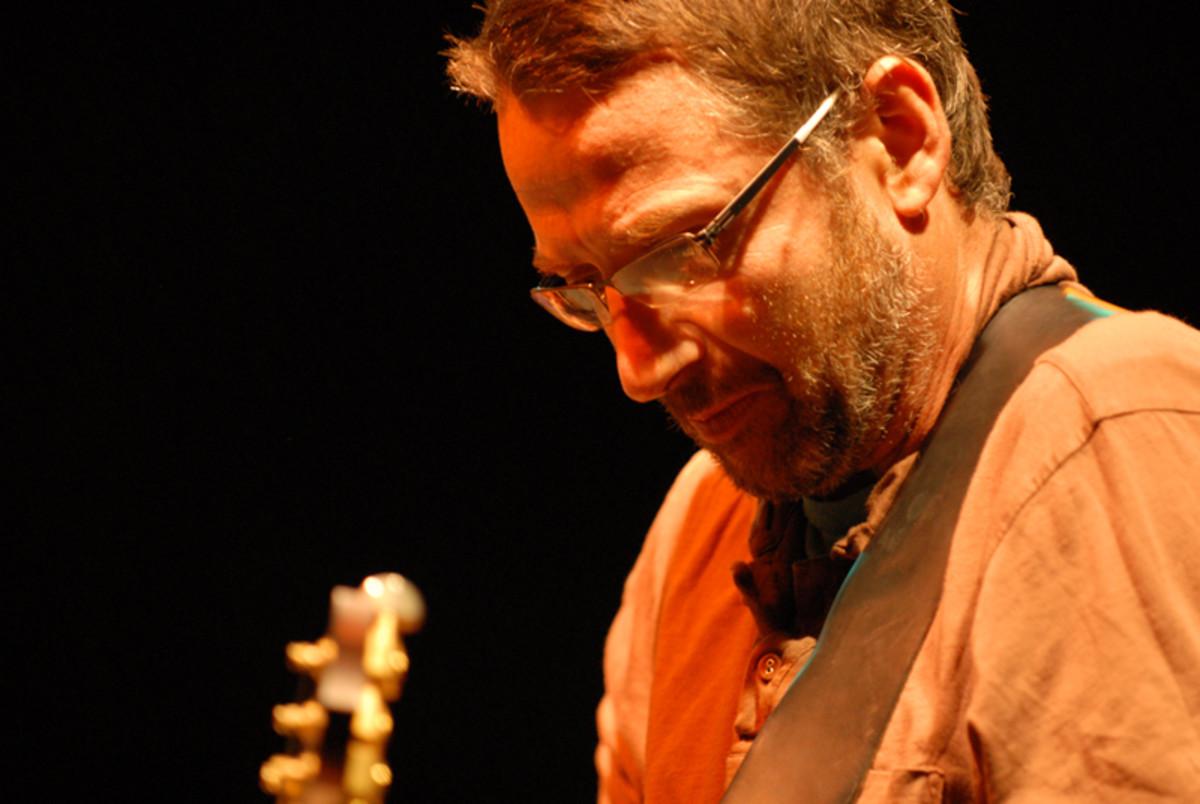 Guitarist for Pearl Jam