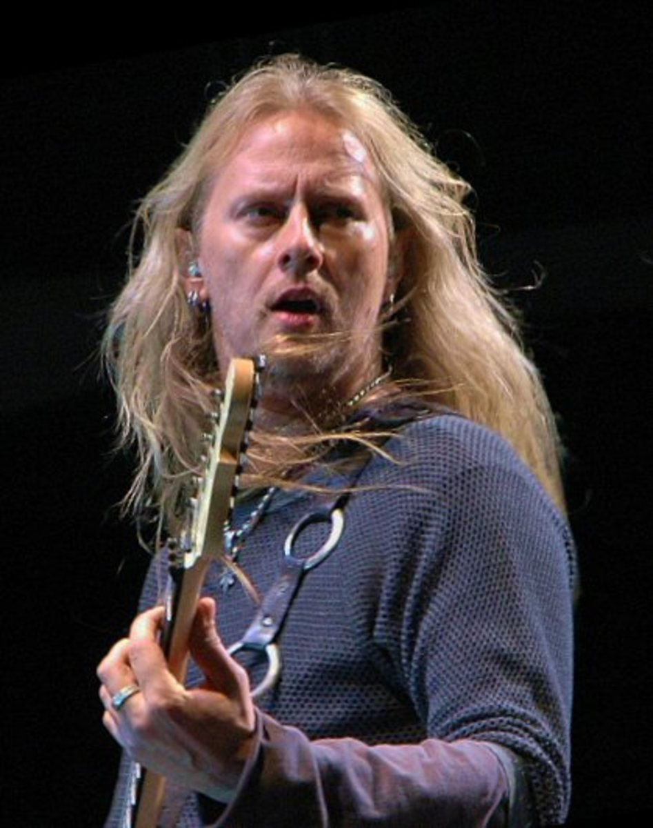 guitarist and songwriter for Alice in Chains