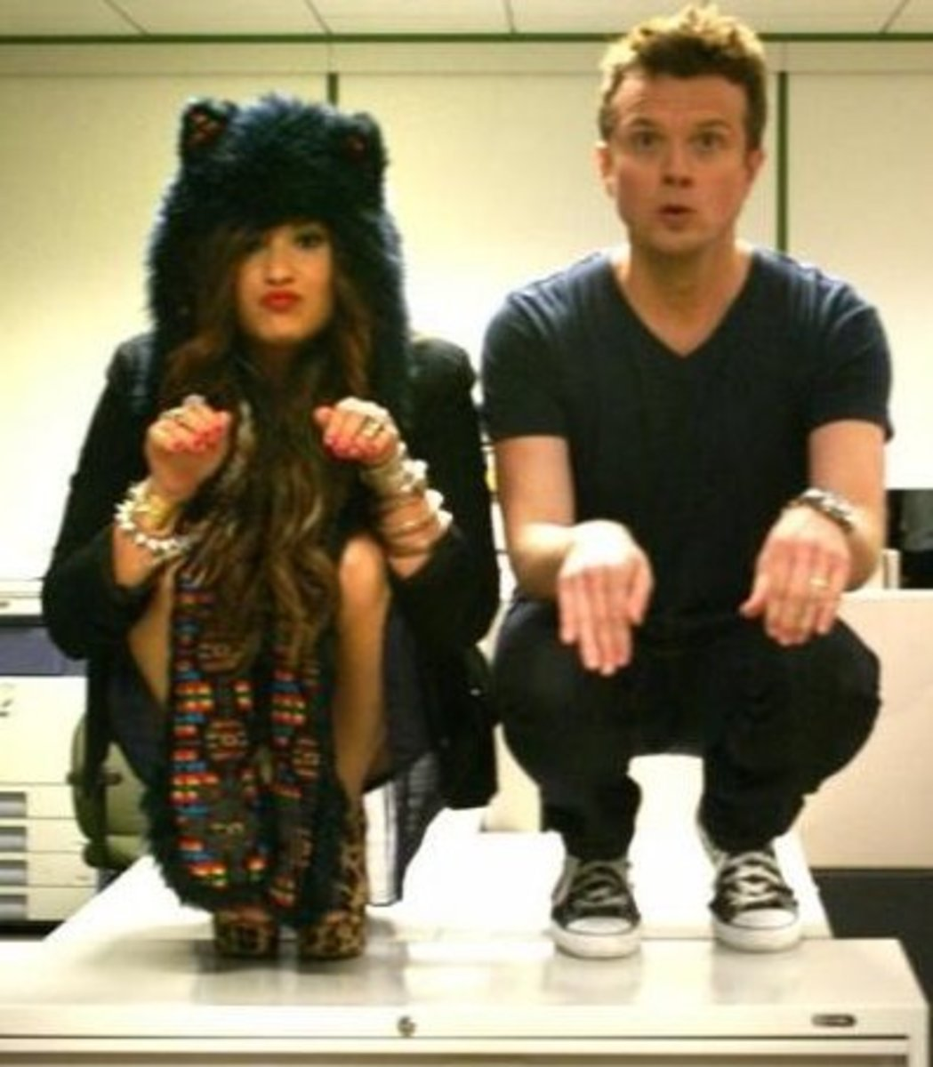 Demi Lovato and Jojo Wright Owling