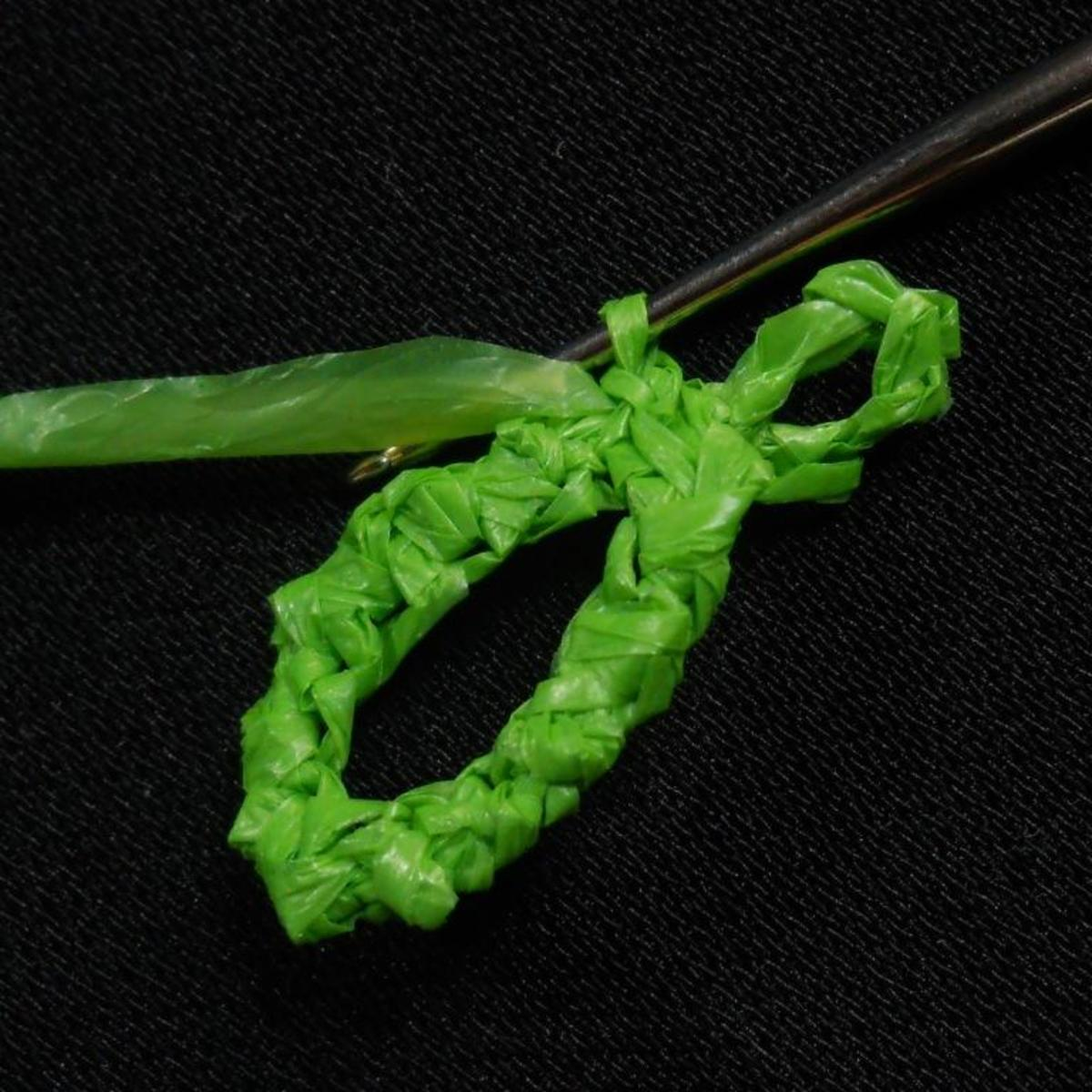 Ch 1, break off and weave in ends.