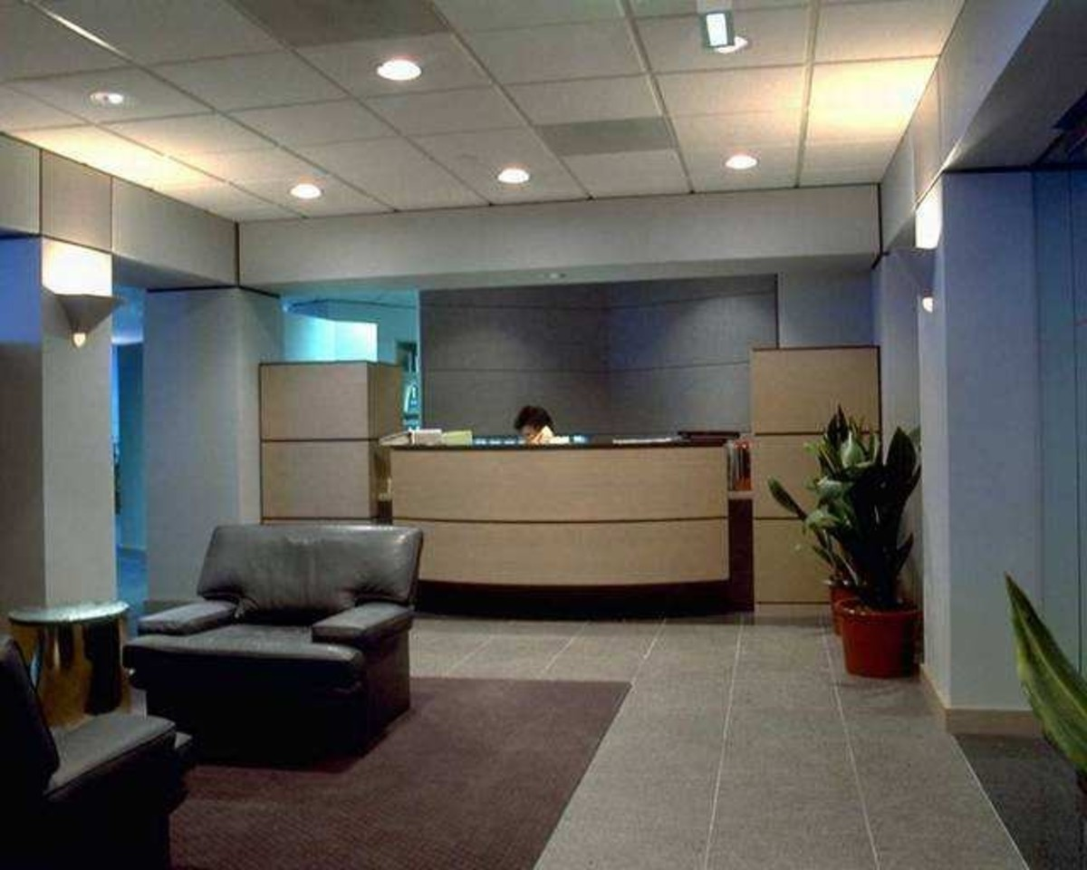 how-to-make-it-past-the-front-desk-tips-for-sales-people-visiting-offices