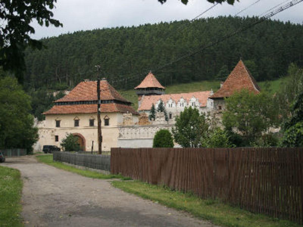 Szekeley Castle