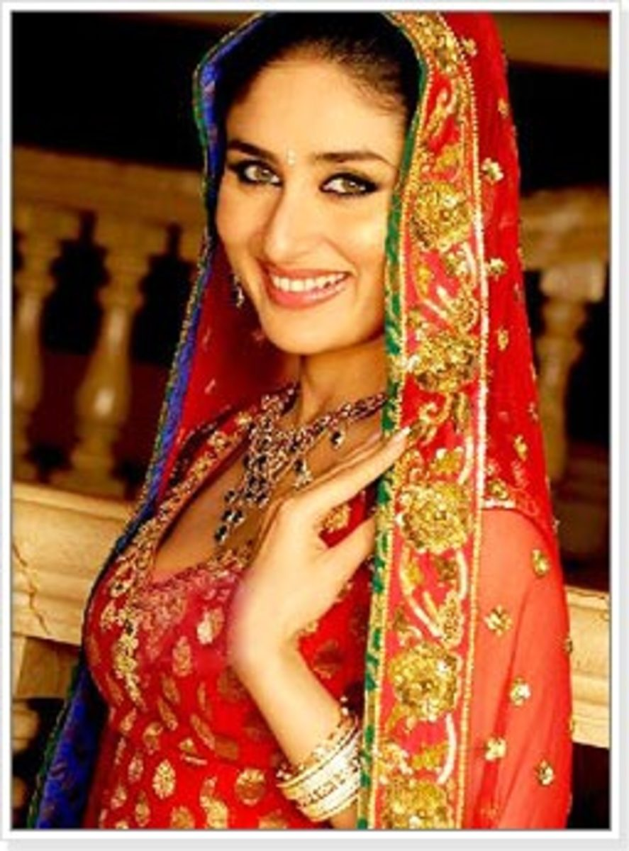 Kareena Kapoor in Red Bridal lahenga choli