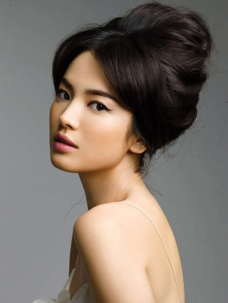 Song Hye Kyo bun hairstyle.