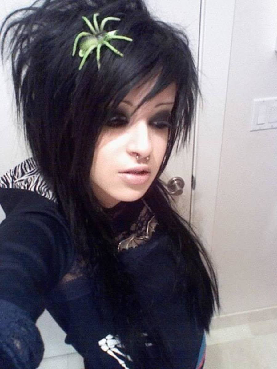 Top 35 Most Famous Emo Girls With Their Hot Hairstyles