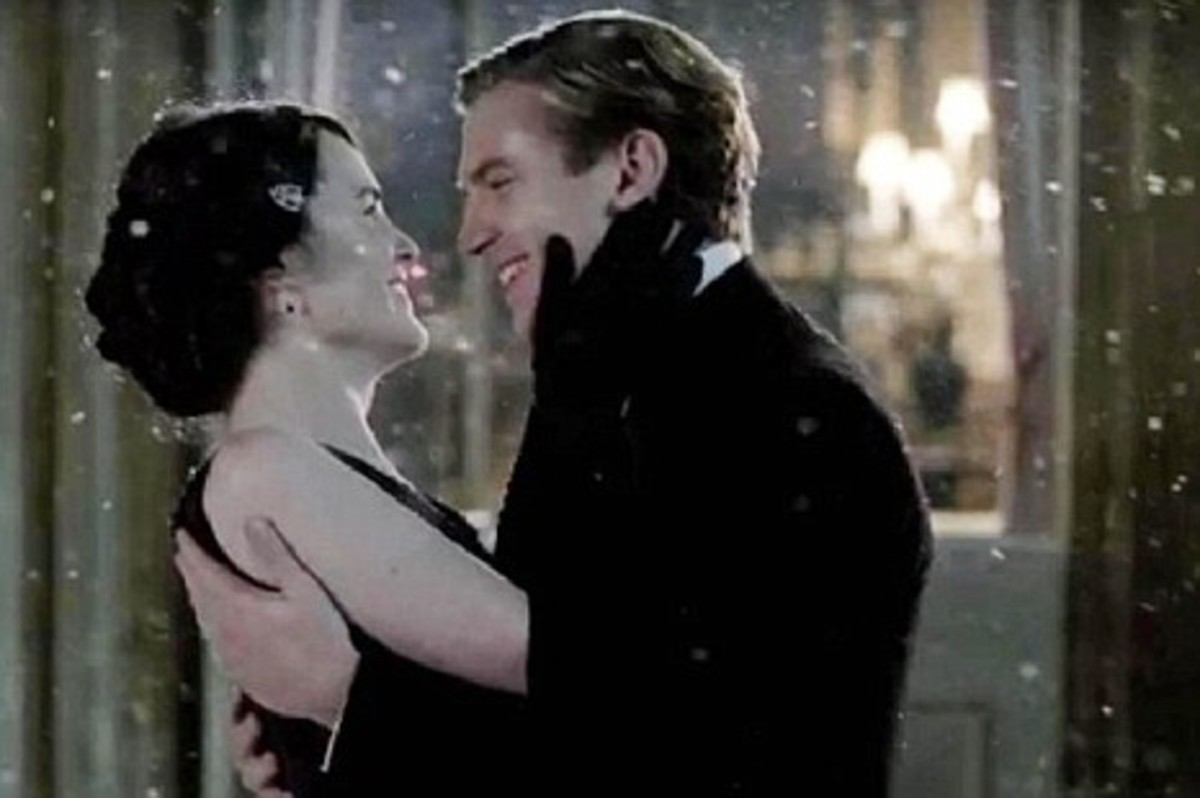 Christmas Kisses at Downton - Mary and Matthew Finally Together?