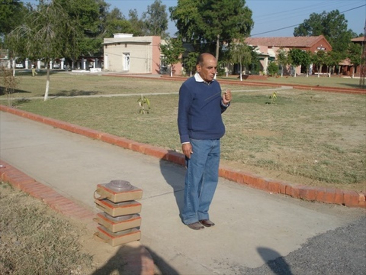 Khoji in action, against anti-tank mines