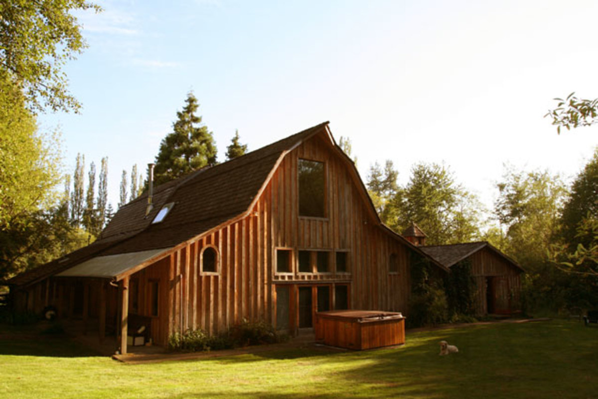 The idyllic Bear Creek recording studio - created in a barn; close enough to the coty to party but set in the countryside for the peace and quiet and ability to concentrate.
