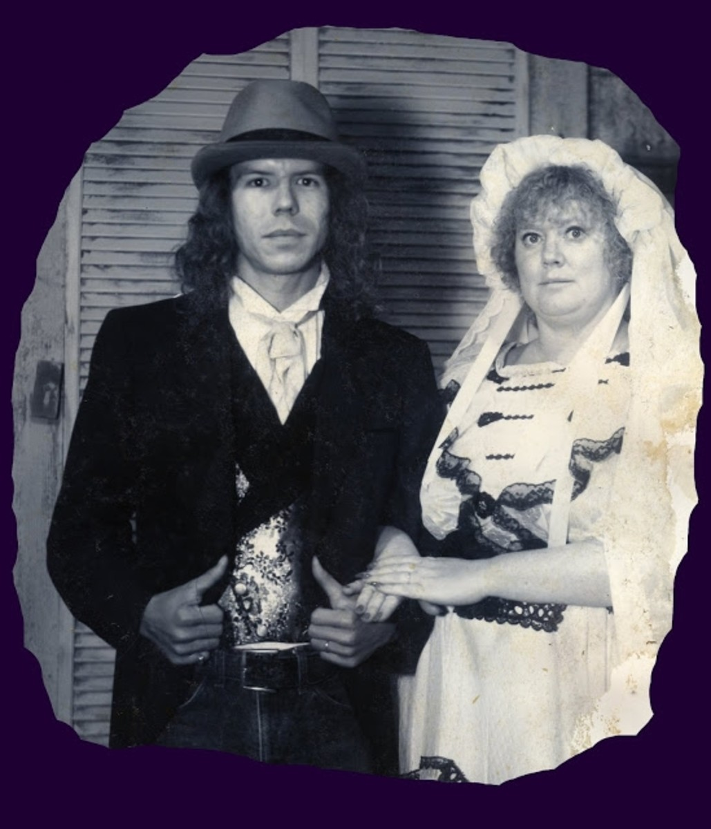 1983 - Gary and Ann - We went to Vegas to get married so have no photos. When we went with the rest of the family to Knott's we decided to have an official photo taken.