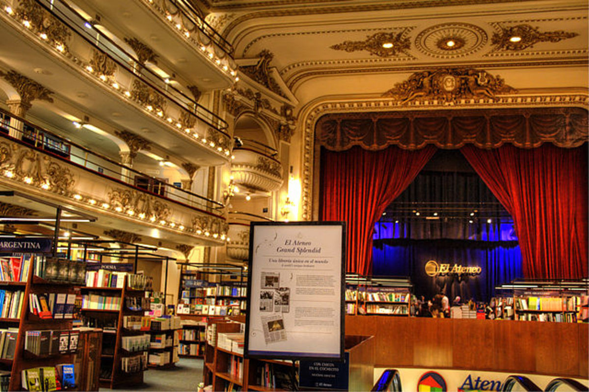 A closer look at El Ateneo Bookstore in Argentina. There are so many books to choose from that for an avid reader it is a paradise but with such a number of books, even an avid reader has to have an idea of what he or she is looking for.