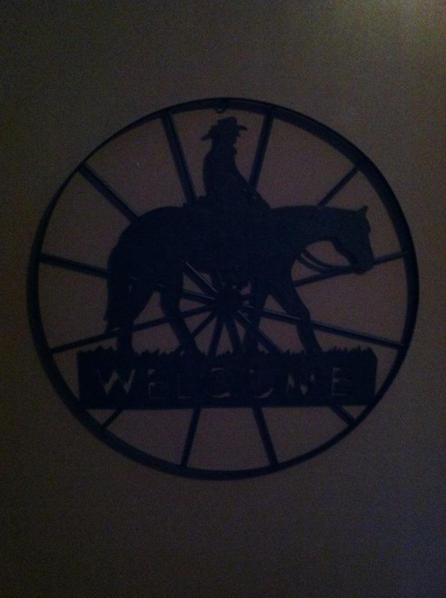 decorating-a-cowboy-themed-boy-room-on-a-budget