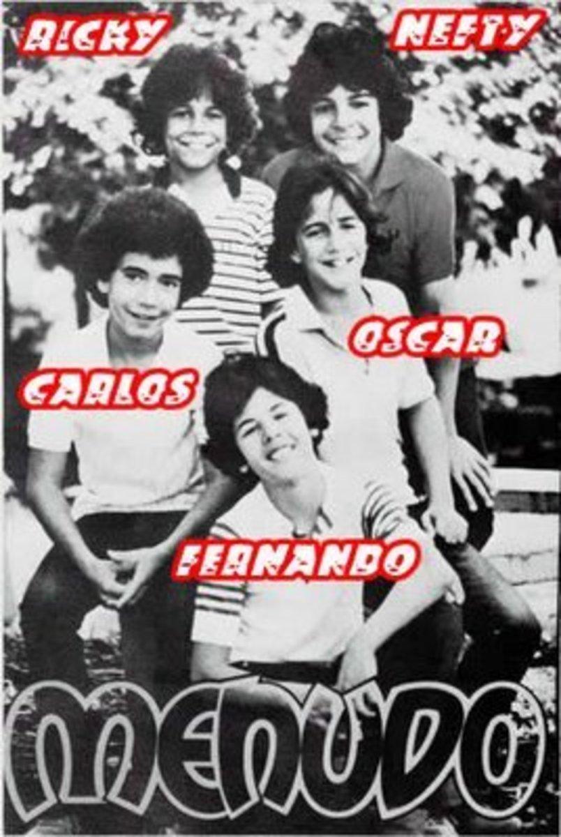 The first Menudo band Members from 1977 to 1979 are: Nefty Sallaberry (1977-1979), Carlos Melendez (1977-1980), Fernando Sallaberry (1977-1980), Oscar Melendez (1977-1981), Ricky Melendez (1977-1984).