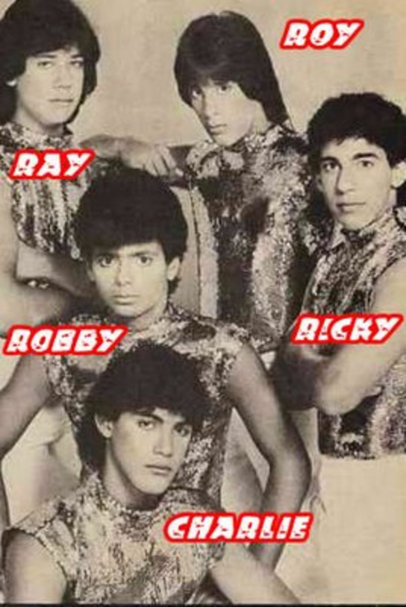 Menudo 1984 first lineup, Robby Rosa becomes the new member.