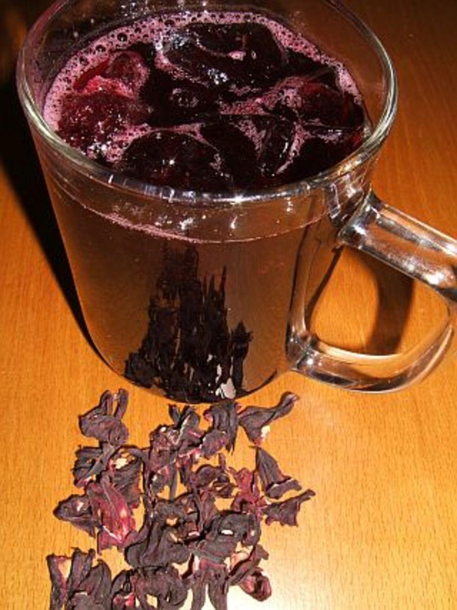 Egyptian karkade drink