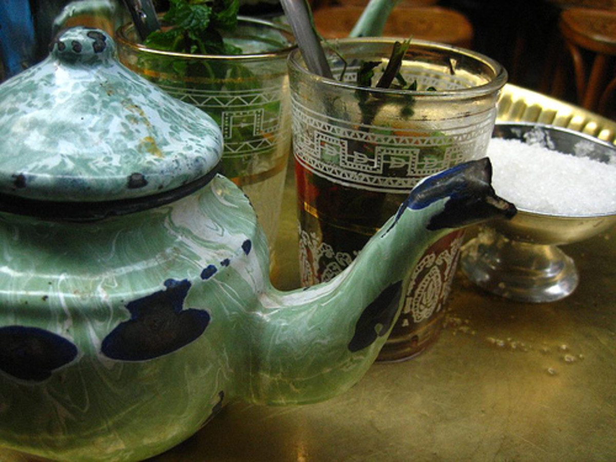 Egyptian black tea with mint and sugar