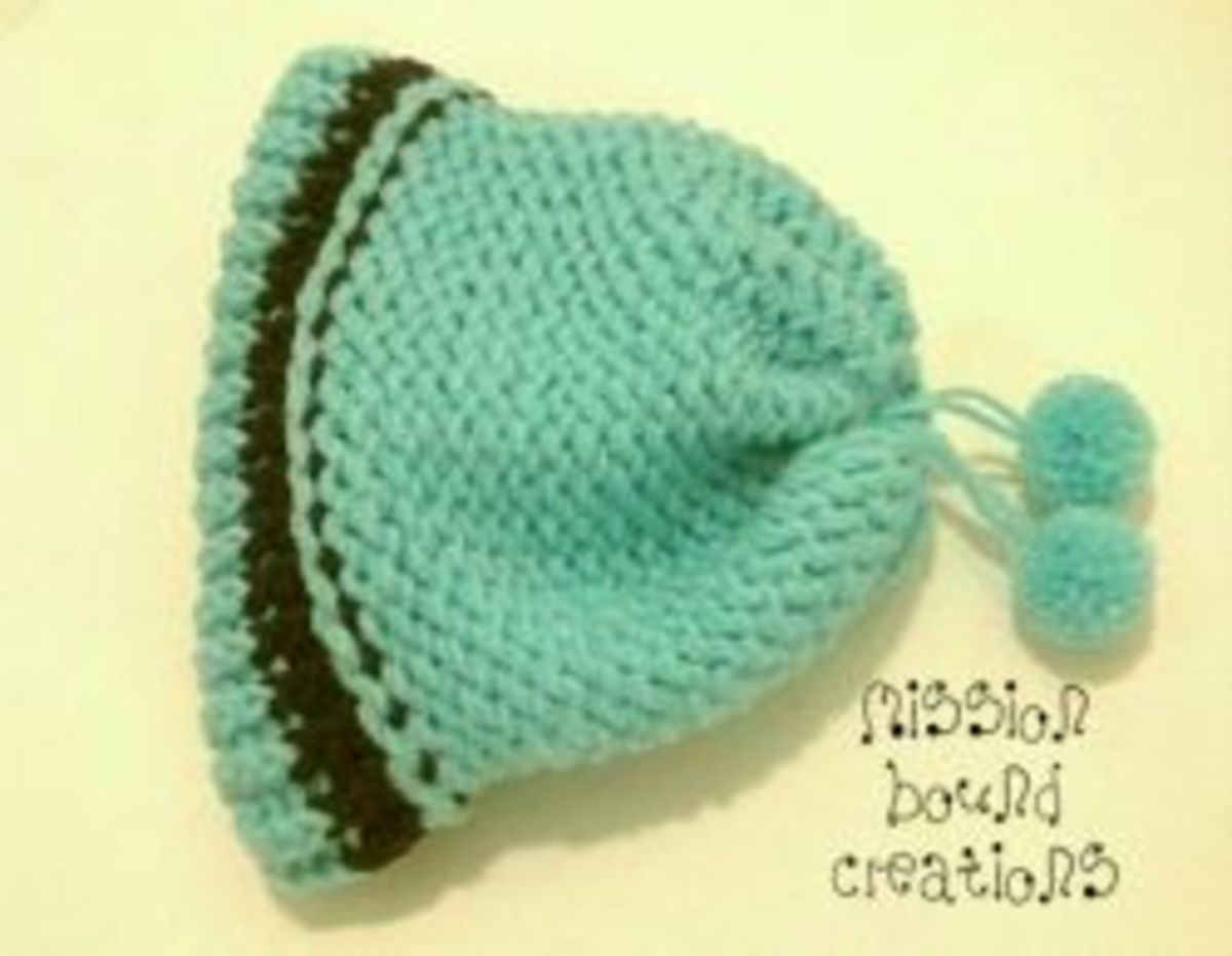 Knifty Knitter Hat with Clover Pom Poms