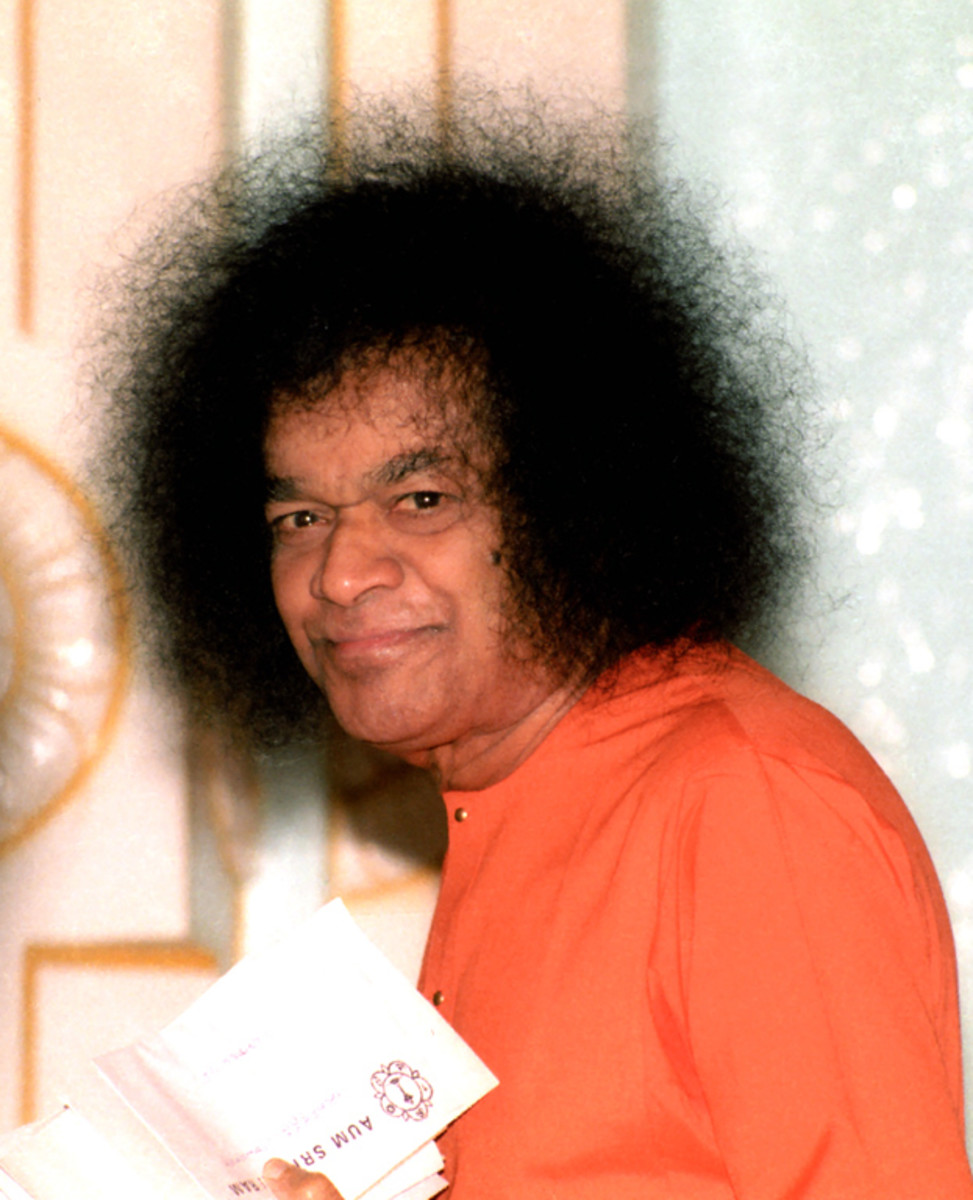 """If you take one step towards me, I shall take a hundred towards you"" - Baba"