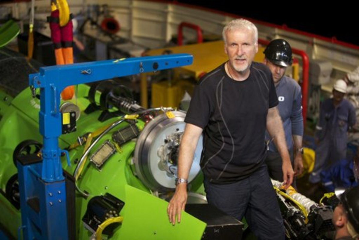 James Cameron testing his 'Deep sea challenger'--February 2012